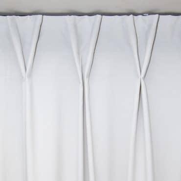 Řasící páska na kolejnice k záclonám a závěsům